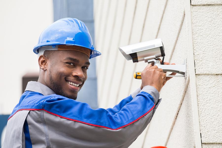 Lanmor Tech Installing CCTV
